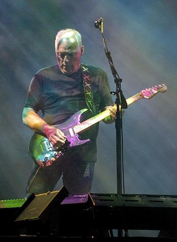 david_gilmour_in_munich_july_2006-ed.JPG